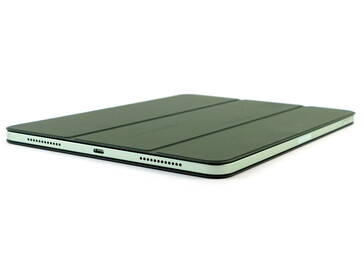 iPad Air 10.9 in de Smart Folio aan beide zijden